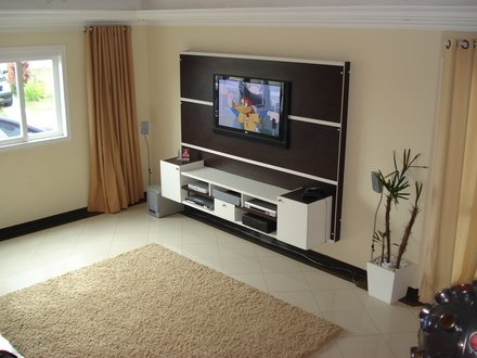 Veja como usar o painel de tv na decora o da sala - Altura para colgar tv ...