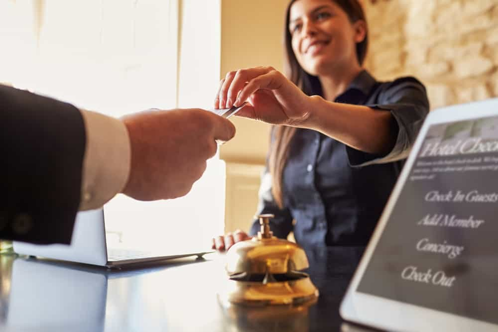 economia no hotel