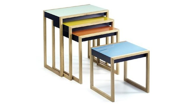 mesas aninhadas do estilo bauhaus