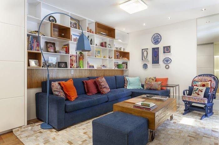 sofá azul royal na decoração