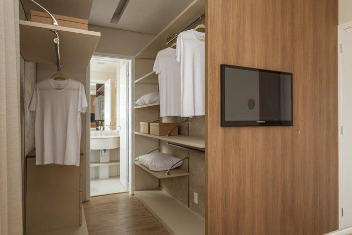 closet aberto de móveis planejados