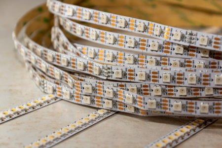 Quais as vantagens de utilizar a fita de led em sua decoração?