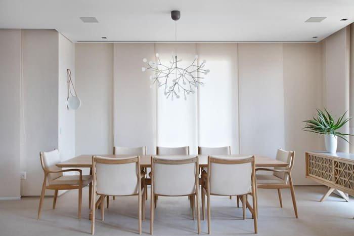 decoração sofisticada de sala de jantar branca