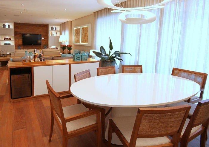 móveis de madeira na decoração de sala de jantar