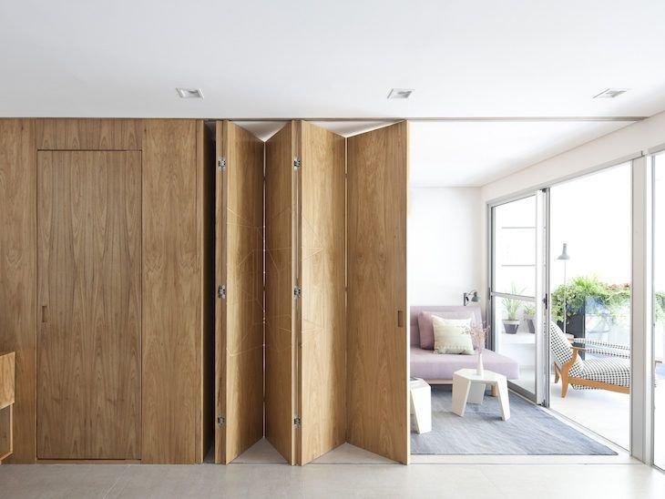 porta camarão de madeira em ambientes integrados