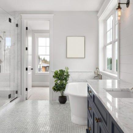 4 ideias assertivas para decorar o banheiro