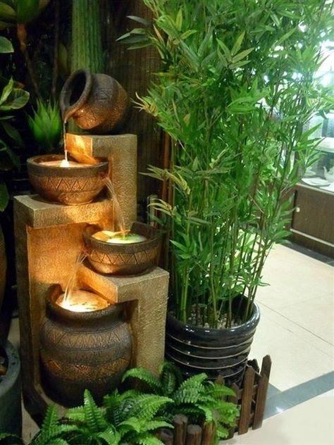 cascatas de esculturas de jarro