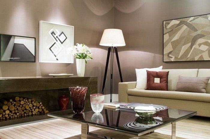 decoração contemporânea com luminária de piso